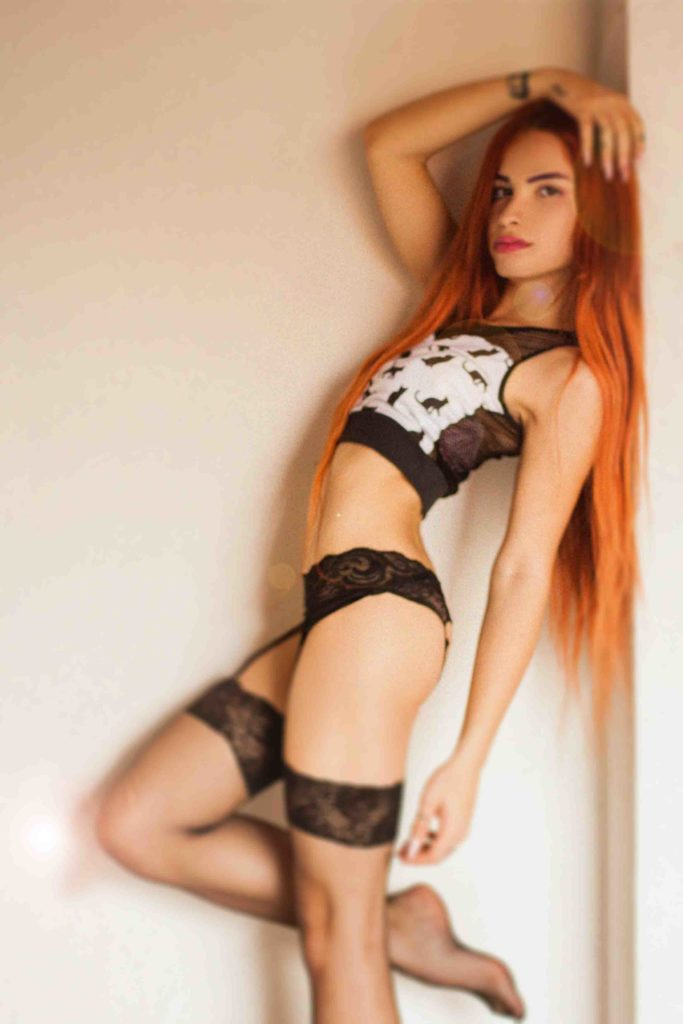 so hot redhead