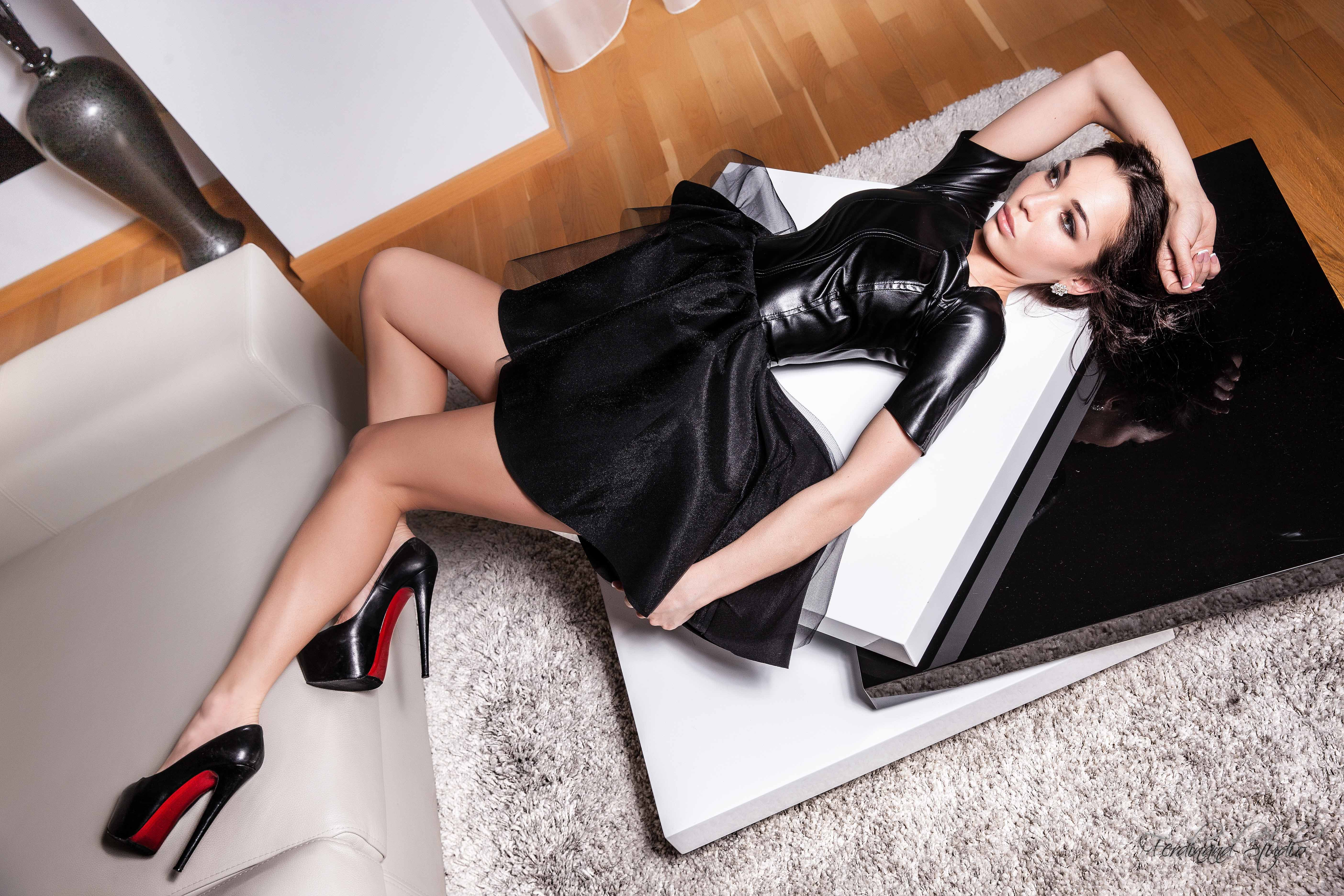 Mile End Escorts charming and naughty lady