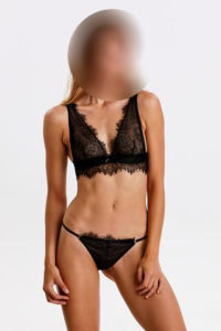 Sparkles – Slim London Escort £80