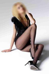 Naomi – Hot Blonde Escort