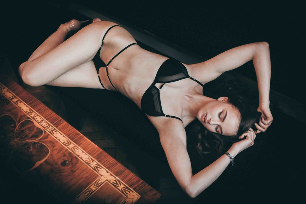 Edgeware escorts - hot woman